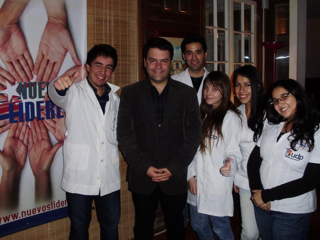 Presidente culmina Coaching Liderazgo Odontología UDP y Medicina UC